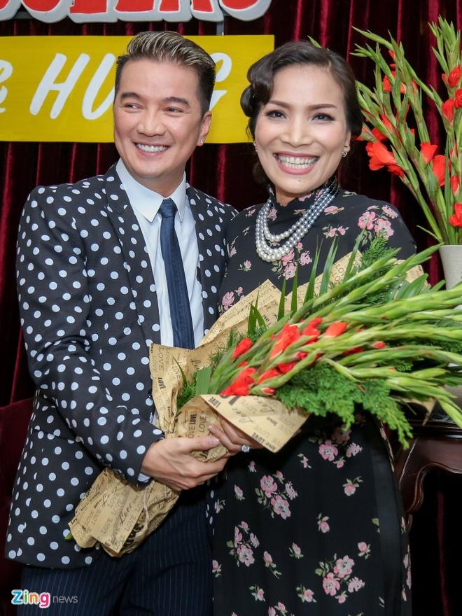 Dam Vinh Hung lam live show Bolero phong cach Sai Gon xua hinh anh 1