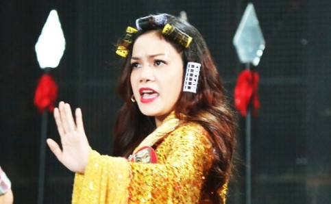Ban sao Nhat Kim Anh ke noi buon hat lot, bi bau show danh o game show hinh anh