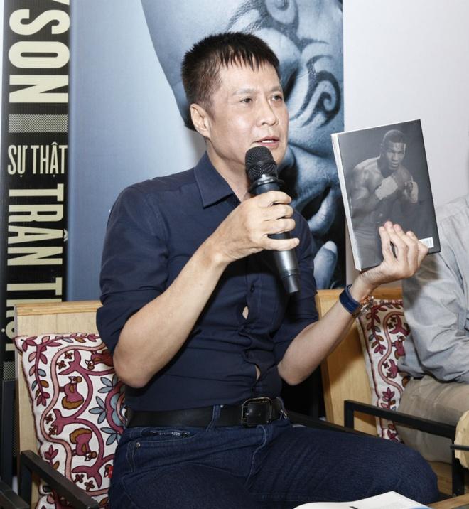 Le Hoang: Van hoc ma chi co sach tran tro ve tinh yeu thi hong hinh anh 1