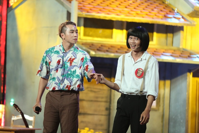 Rapper Karik lan dau dien hai cung ban sao Hoai Linh hinh anh 1