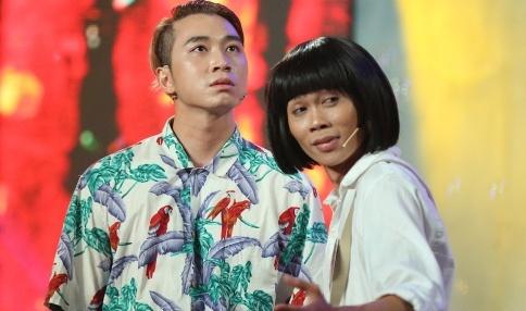 Rapper Karik lan dau dien hai cung ban sao Hoai Linh hinh anh