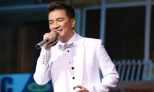 Live show chay ve, Mr. Dam trich 500 trieu dong ung ho nguoi dan bi lu hinh anh
