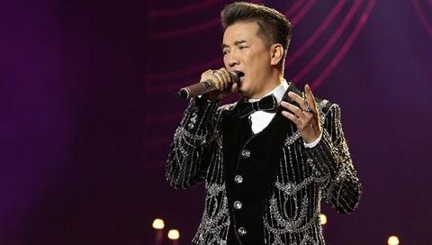 Dam Vinh Hung thua nhan hat Bolero khong hay trong live show hinh anh