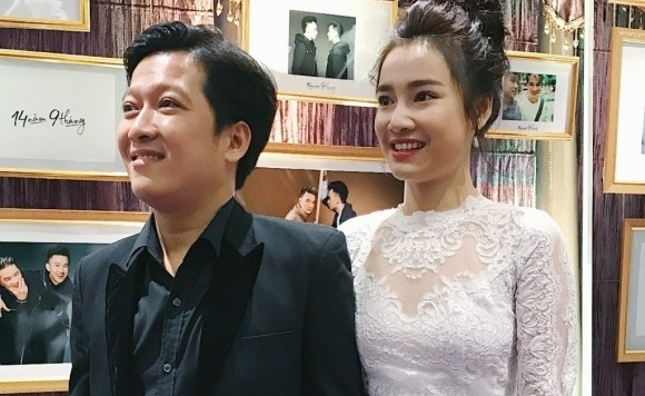Truong Giang tang 100 bong hong khi Nha Phuong quay phim o xa hinh anh