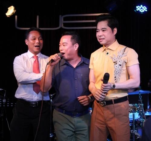 Ngoc Son Quy Goi, Tang Qua Sinh Nhat Cho Me Trong Dem Nhac Hinh Anh
