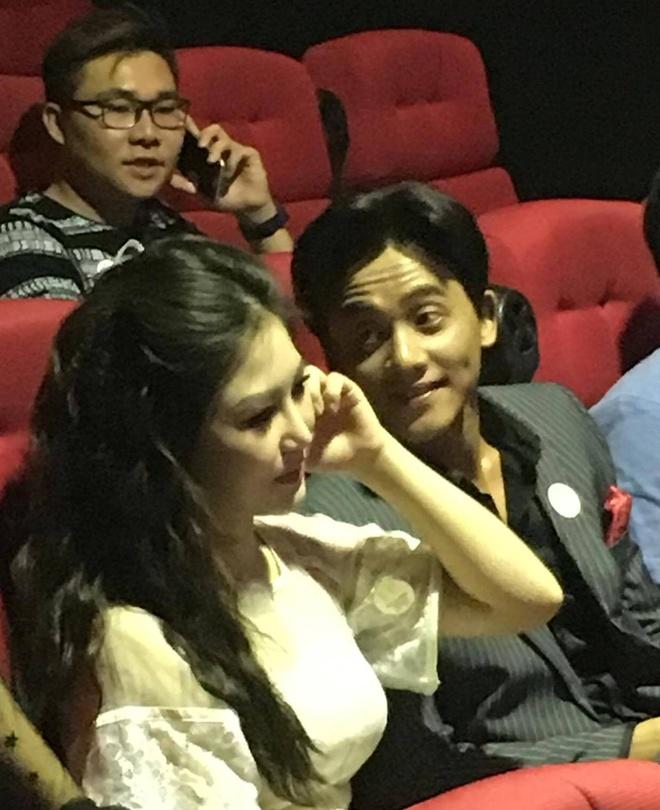 Huong Tram va nam chinh MV 'Em gai mua' quan quyt khong roi hinh anh 5