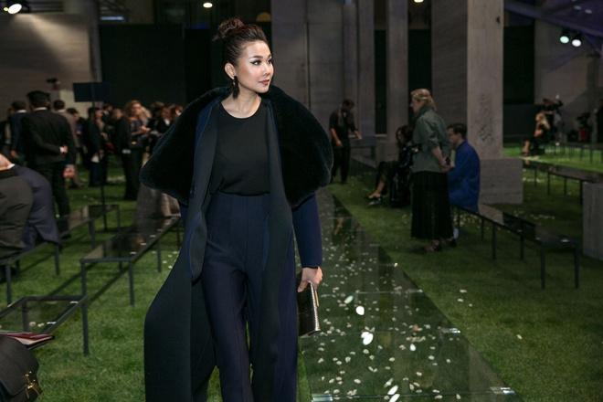 Thanh Hang sang trong ngoi hang ghe dau o Milan Fashion Week hinh anh 2