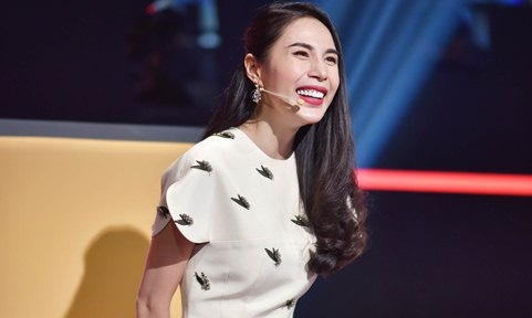 Thanh Thao nhac Thuy Tien 'het khoe con lai khoe chong' o game show hinh anh