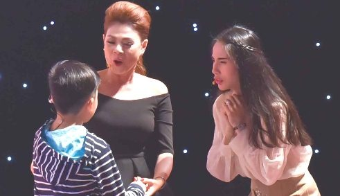 'Ai se thanh sao nhi': Thuy Tien che Thanh Thao 'gia doi, ba mat' hinh anh