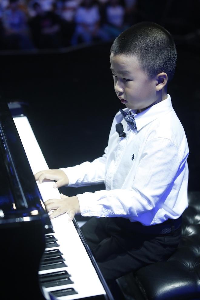 MC Lai Van Sam chiu thua be trai 6 tuoi anh 2