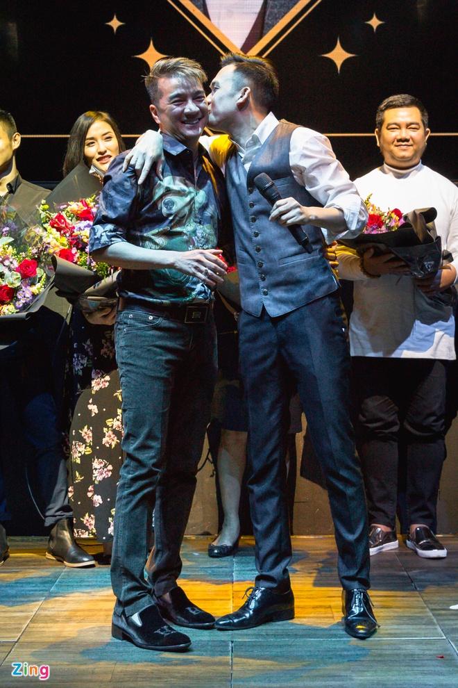Dam Vinh Hung: 'Duong Trieu Vu no toi mot cuoc tinh' hinh anh 3
