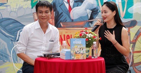 Dien vien Lan Phuong che Le Hoang viet sach qua phi ly hinh anh