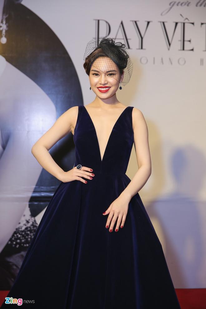Giang Hong Ngoc xin phep Dam Vinh Hung, Ha Ho de hat Bolero hinh anh 1