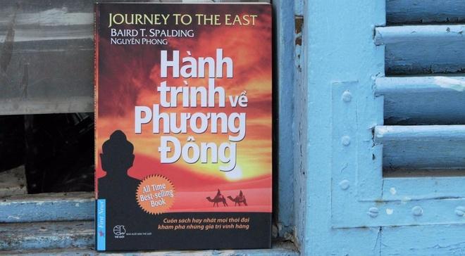 Tai ban cuon sach doc dao ve kham pha van hoa phuong Dong hinh anh
