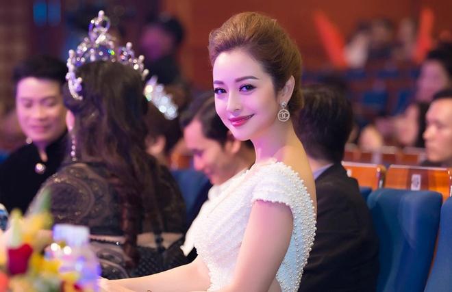 Quang cao san pham tren Facebook: Nghe hai ra tien cua sao Viet hinh anh 2