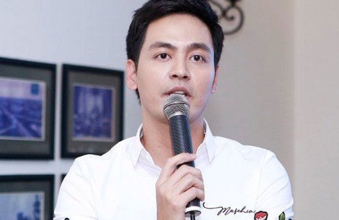 MC Phan Anh: 'Toi xin loi vi da lam khan gia ton thuong' hinh anh