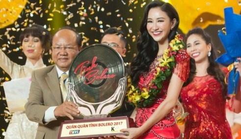 A hau Ha Thu dang quang Tinh Bolero phien ban nghe si 2017 hinh anh