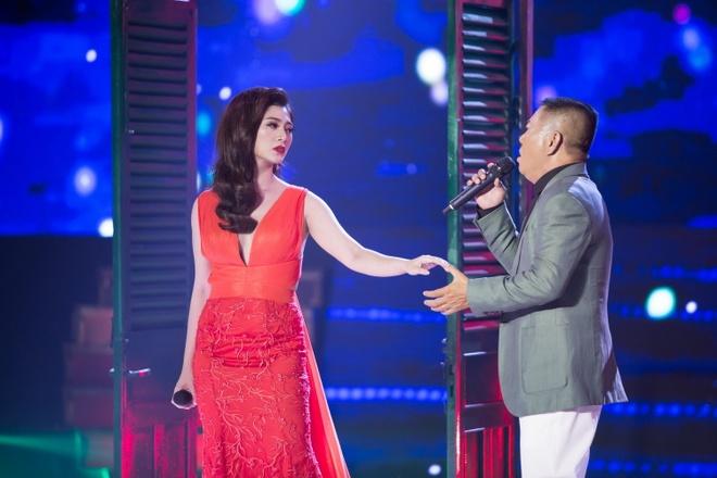 A hau Ha Thu dang quang Tinh Bolero phien ban nghe si 2017 hinh anh 3