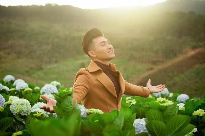 Chay theo trao luu, ca si Nguyen Hong An cung lam album Bolero hinh anh 1