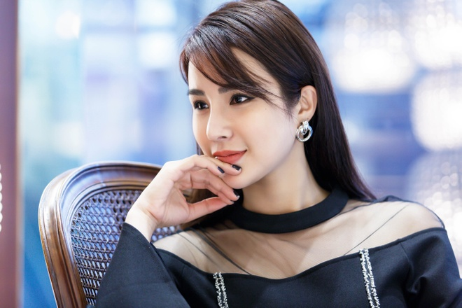 Vi sao Diep Lam Anh moi duoc tai tu 'Giay thuy tinh' toi Viet Nam? hinh anh 2