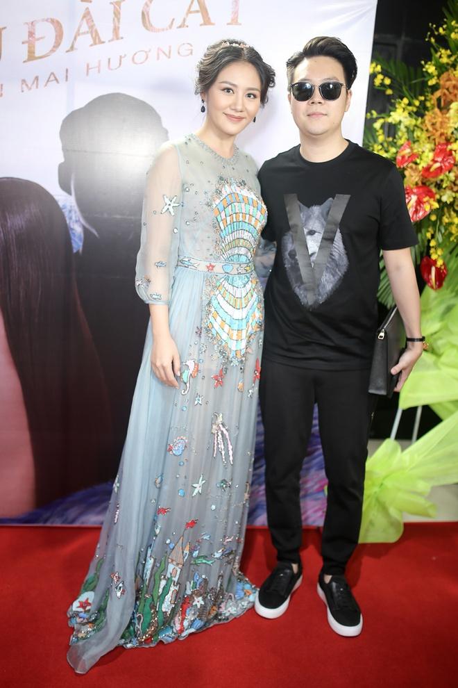 Ban trai cu Le Hieu den chuc mung Van Mai Huong ra mat MV moi hinh anh 1