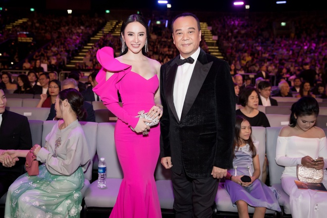 Angela Phuong Trinh tinh tu ben Huu Vi anh 2
