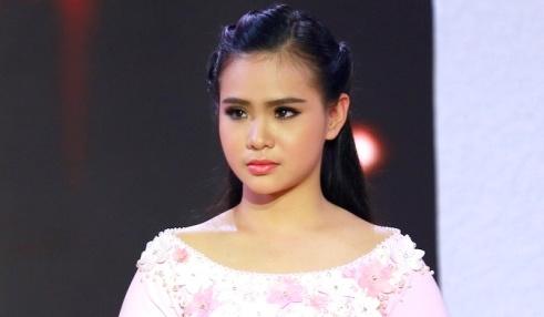 Phi Nhung che 'Thien than Bolero' Quynh Trang hat live chua tot hinh anh