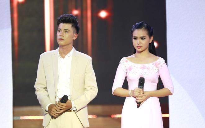 Phi Nhung che 'Thien than Bolero' Quynh Trang hat live chua tot hinh anh 1