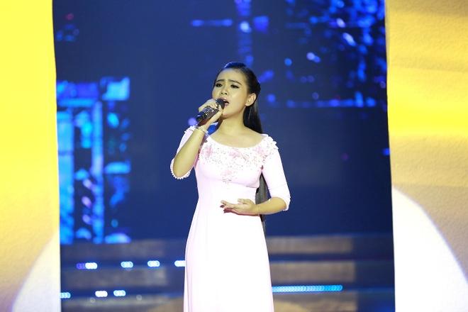 Phi Nhung che 'Thien than Bolero' Quynh Trang hat live chua tot hinh anh 2