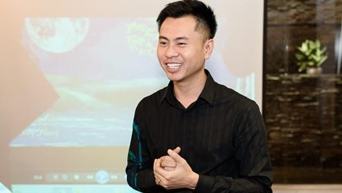Duong Cam moi Dong Hung hat ca khuc Duong Hoang Yen tung the hien hinh anh