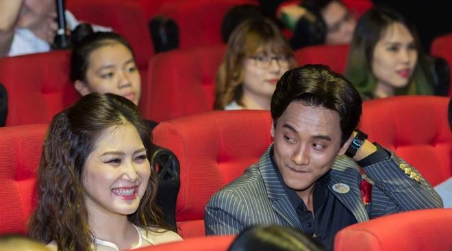 Tran Thanh dua moi tinh 1 thang cua Tai Phen va Huong Tram len On gioi hinh anh 2