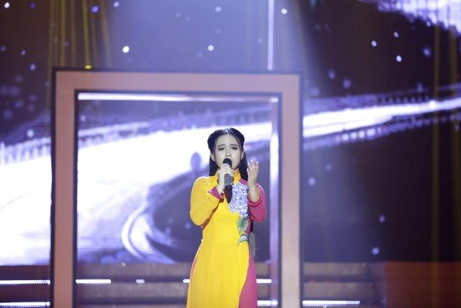 'Thien than Bolero' Quynh Trang hat quen loi van vao top 4 Bolero hinh anh 1