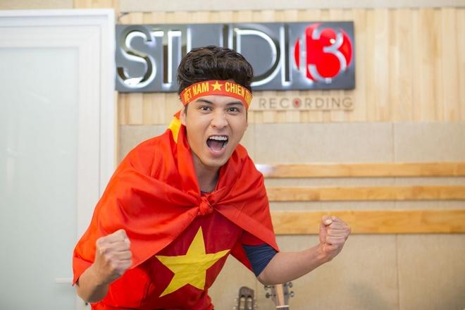 22 ca si co vu U23 Viet Nam bang MV 'Nhung ngoi sao vang' hinh anh 2