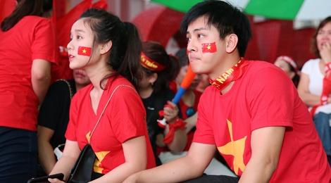 Dan sao Viet dung ngoi khong yen khi theo doi tran U23 VN - Uzbekistan hinh anh