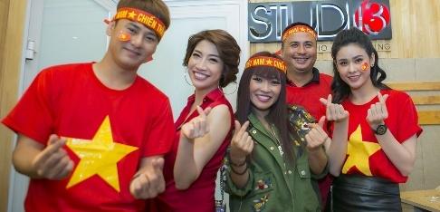 22 ca si co vu U23 Viet Nam bang MV 'Nhung ngoi sao vang' hinh anh
