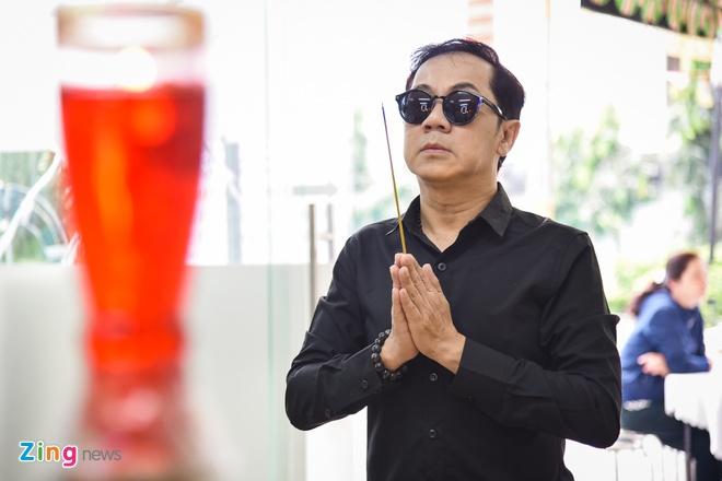 NSUT Thanh Loc toi thap huong, dua tien Nguyen Hau sang 30 Tet hinh anh 1