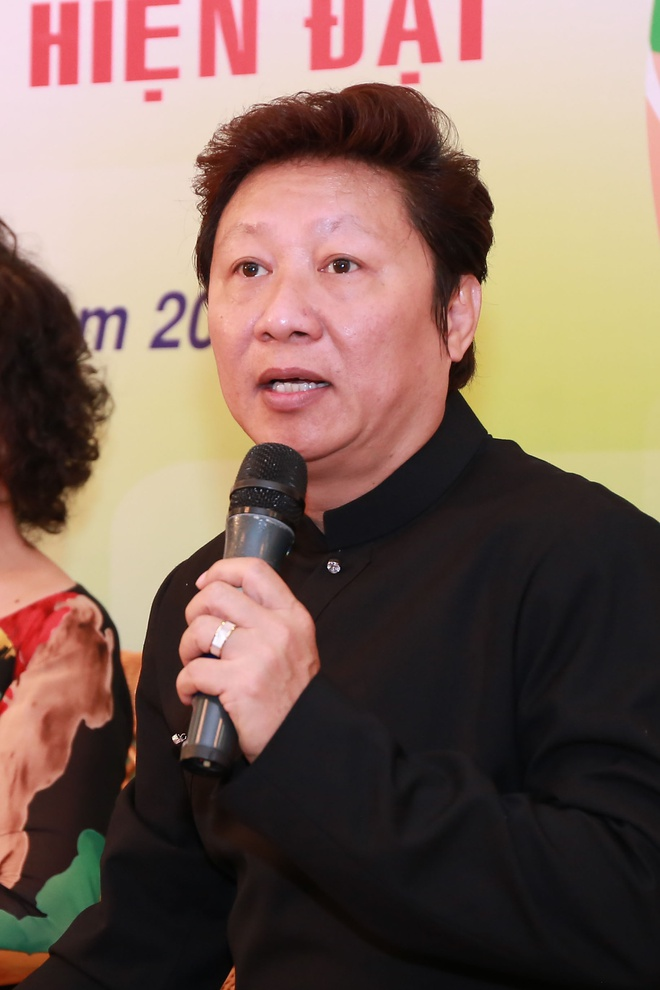 NSUT Thanh Loc: 'Ao dai ngay cang duoc nam gioi yeu thich' hinh anh 2