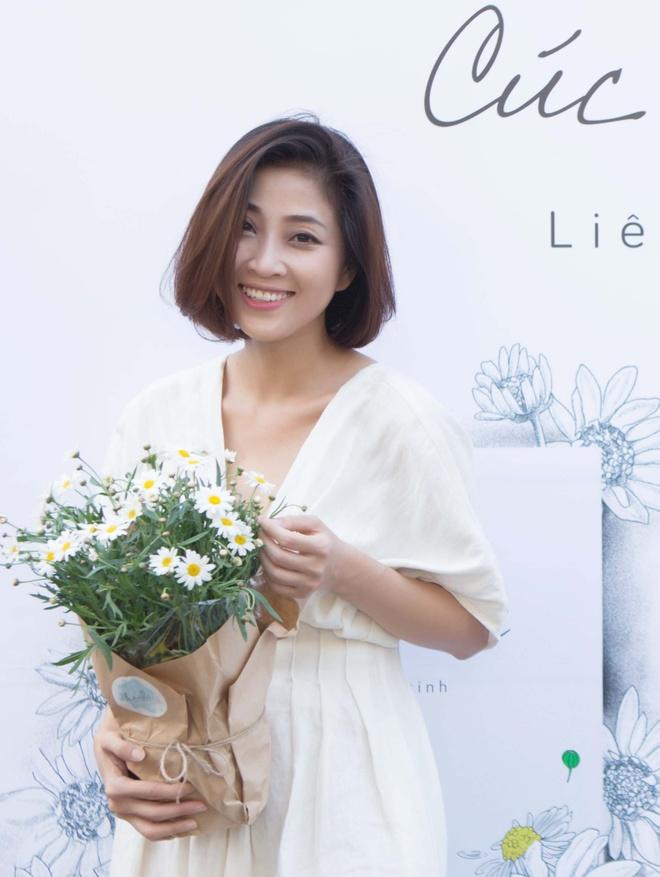 Thu Thuy, Cuong Seven chuc mung MC Lieu Ha Trinh ra tap tho moi hinh anh 1