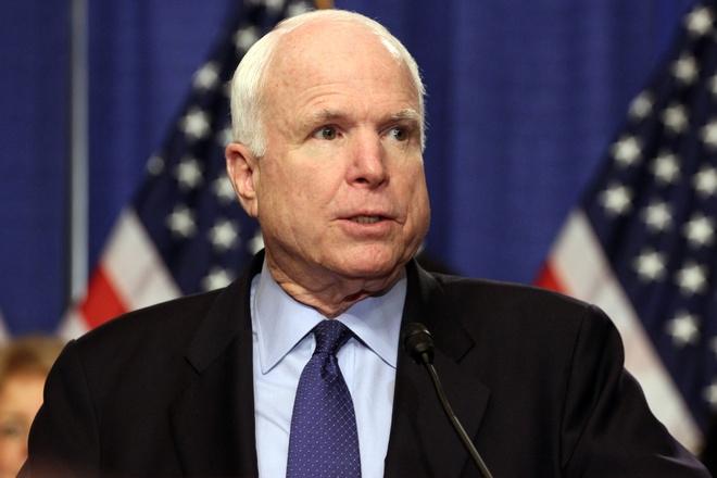 Thuong nghi si John McCain: 'Tre em nen doc Huckleberry Finn' hinh anh 1