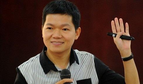'Tho san' hoc bong Nguyen Chi Hieu ra mat sach dau tay hinh anh