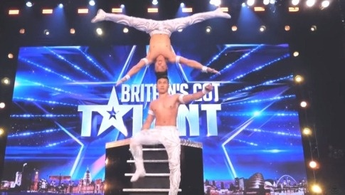 Giam khao Britain's Got Talent reo ho khi Quoc Co, Quoc Nghiep dien hinh anh