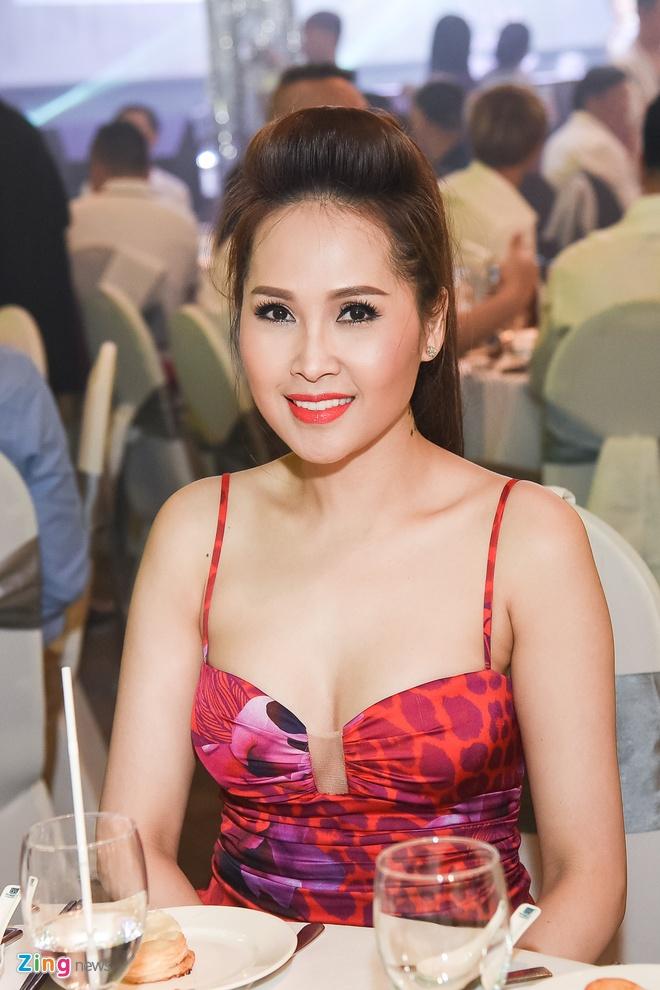 Tuan Hung, 'gai nhay' Minh Thu du dam cuoi cua ca si Lam Vu hinh anh 5