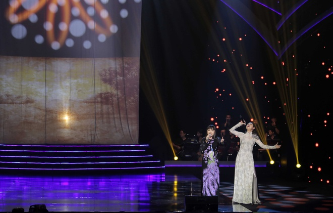 Huong Lan lam nuc long khan gia trong live show ky niem 50 nam ca hat hinh anh 12