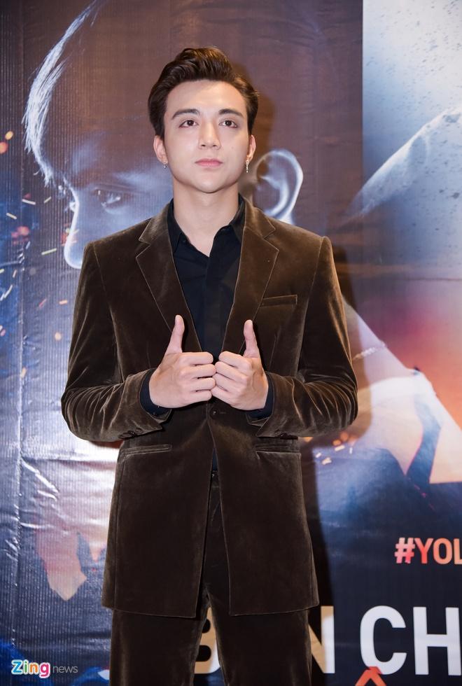 Soobin Hoang Son lan dau dong phim anh 1