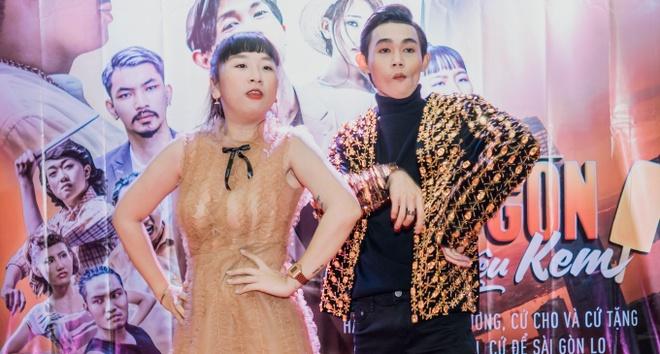 Viet Huong bi che 'ngu' khi giup quan quan Cuoi xuyen Viet lam phim hinh anh 2