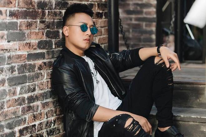 Chau Khai Phong: 'Toi chua bao gio xin xo livestream voi Hoa Vinh' hinh anh 1