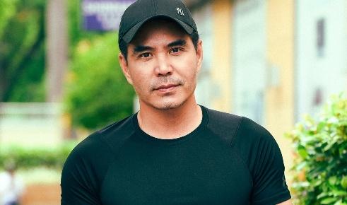 Dien vien Trung Dung: 'O tuoi 45, yeu duong chi la vui choi qua duong' hinh anh