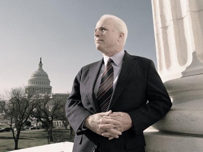 'Chuong nguyen hon ai' cua Hemingway giup dinh hinh John McCain hinh anh