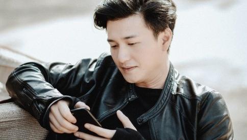 Nha san xuat len tieng: 'Khong bao gio lam viec voi Huynh Anh nua' hinh anh
