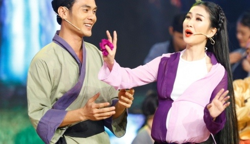 Quynh Lam mac loi hoa trang bung bau, bi Cong Ninh, Huu Quoc che hinh anh